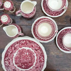 How to clean antique china dishes. Whether your fine dinnerware in not dishwasher safe or you inherited your grandmother's heirloom china dishes, learn how to remove stains by hand soaking. For more cleaning tips and dish care go to Domino. Fine China Dinnerware, Dinnerware Sets, Antique Interior, Antique China Dishes, Antique Plates, Art Nouveau, China Sets, China Plates, Green Cleaning