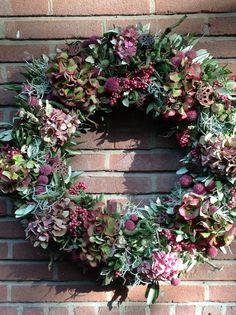 Autumn wreath - love pearl shrub hydrangea - Lilly is Love Christmas Door Wreaths, Autumn Wreaths, Deco Floral, Arte Floral, Fall Flowers, Dried Flowers, Fleurs Diy, Flower Garlands, Summer Wreath