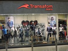 vitrine da loja 111 Transatom Jeans