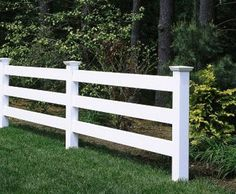 Morgan 3 Rail Fence - This attractive 3 Morgan fence has New England caps and is crafted in hollow vinyl. Front Yard Fence, Diy Fence, Pool Fence, Backyard Fences, Wooden Fence, Front Yard Landscaping, Garden Tool Shed, Garden Gates, Pergola Shade