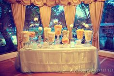 Popcorn Bar- set up one for a wedding at work today and I thought it was so cool! Wedding Popcorn Bar, Popcorn Theme, Candy Popcorn, Flavored Popcorn, Popcorn Recipes, Dessert Buffet, Candy Buffet, 16th Birthday, Birthday Parties