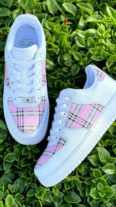Dr Shoes, Cute Nike Shoes, Swag Shoes, Cute Sneakers, Nike Air Shoes, Hype Shoes, Sneakers For Girls, Shoes Cool, Cool Womens Sneakers