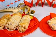 These baked spring rolls are a fun and tasty way for children to celebrate and learn about Chinese New Year. Baked Spring Rolls, Chicken Spring Rolls, Appetizer Dishes, Appetizer Recipes, Chinese Spring Rolls, Chinese Appetizers, Chinese Five Spice Powder, Cooking Chinese Food, Sweet Chilli