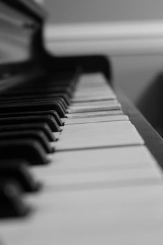This picture of a piano reminds me of my lolo, I took piano lessons in grade 1 but stopped. I'm sorry i didn't play any instruments but instead i went with sports, but don't worry i'll try my best to finish up with school & make both you and lola proud. Love u guys !
