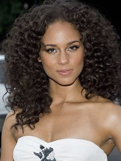 Alicia Keys Hairstyles | Jun 7, 2007 | Daily Makeover