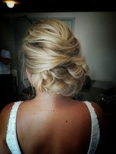 #bridalhair #weddinghair #bride #updo #lowupdo #relaxedupdo #bohoupdo #hairdo Updo, Bridal Hair, Backless, 21st, Bride, Dresses, Fashion, Wedding Bride, Vestidos