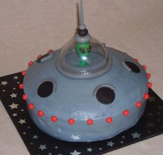 Alien Spaceship on Cake Central