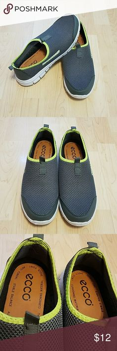 ⭐EUC ⭐Walking Shoes - Men's 10 Men's size 10 walking shoes in excellent used condition.  Great condition! Men's Ultra Lite slip-on walking shoes.  Shoes look almost new with minor scuffing on the soles.   Combine with my other items to save on shipping or make me an offer! Thanks. Fashion Shoes Sneakers