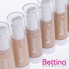 Nuestra #Bettina Liquid Foundation brinda a tu rostro una excelente cobertura sin que se sienta cargada tu piel. ¡Ideal para el uso diario! #makeup Makeup Foundation, Salons, Lipstick, Face, Beauty, Frosting, Diary Book, Fur, Foundation