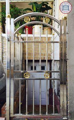 Fence Wall Design, Window Grill Design Modern, Steel Gate Design, Balcony Railing Design, Door Gate Design, Gates And Railings, Stainless Steel Railing, Welding And Fabrication, Steel Fence
