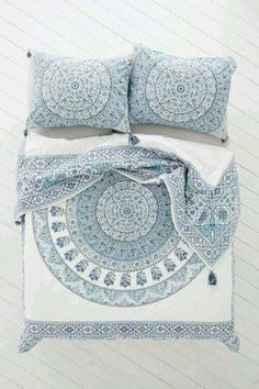 Magical Thinking Devi Medallion Duvet Cover - Urban Outfitters Bedroom: blue and white with orange accents My New Room, My Room, Home Bedroom, Bedroom Decor, Bedrooms, Bedroom Ideas, Master Bedroom, Duvet Covers Urban Outfitters, Home And Deco