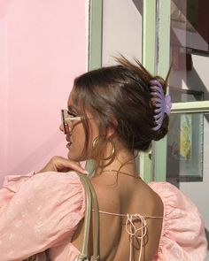 Hampton Crop Top - e l l a b e l l a 🍒 - Hair Clips Hair Inspo, Hair Inspiration, Mode Boho, Mode Outfits, Up Girl, Looks Cool, Aesthetic Clothes, Aesthetic Style, Hair Looks