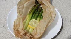 Dinner for one: Spargel im Backpapier  Credit: Heidi Strobl