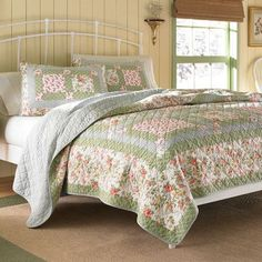 Laura Ashley Home Abbot Cotton Quilt Size: Twin
