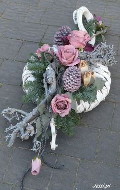 Allerheiligen Gestecke Kränze A Pill-A-Day Approach to Weight Loss Article Body: Being slim or thin Grave Flowers, Cemetery Flowers, Funeral Flowers, Deco Floral, Arte Floral, Funeral Flower Arrangements, Floral Arrangements, Unique Flowers, Beautiful Flowers