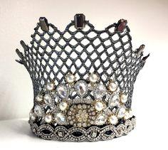 Hertiginnans krona i En midsommarnattsdröm. Tillverkad av kostym- och maskavdelningen. Fotograf Linda Sinkkonen