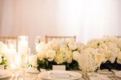 white table white flowers
