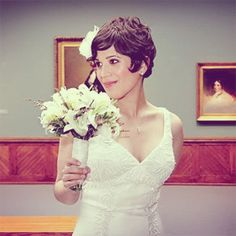 Cute Wedding Hairstyles For Short Curly Hair Cute Wedding Hairstyles, Short Wedding Hair, Pixie Hairstyles, Vintage Hairstyles, Trendy Hairstyles, Hairstyle Short, Short Haircut, Short Wavy Hair, Curly Pixie