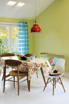 Weekend Decorating Ideas - From sorting linens to simply painting an old table  these simple Weekend decorating tips will get you started.