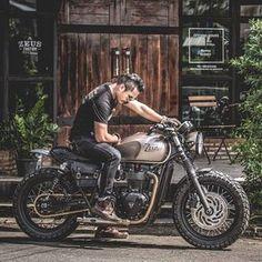 Boronze Project. #zeuscustom #zeuscustomstyle #triumph #motocyclesretro #handbuild