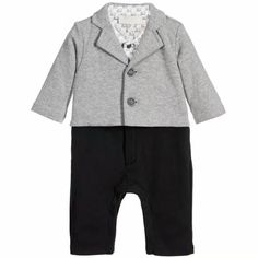 We are elated to present our newest range of goodies.   Like and Tag if you like this Coat + Romper (2 Piece Set) Formal Range (0-24M).  Tag a friend who would appreciate our huge range of babywear! FREE Shipping Worldwide.  Why wait? Buy it here---> https://www.babywear.sg/new-arrivals-2017-brand-baby-clothes-set-baby-romper-tops-100-cotton-baby-outfits/   Dress up your toddler in quality clothes today!    #babyrompers