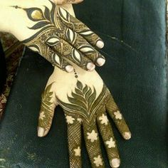نقش حنا Back Hand Mehndi Designs, Mehndi Designs For Girls, Unique Mehndi Designs, Mehndi Designs For Fingers, Henna Designs Easy, Beautiful Henna Designs, Arabic Mehndi Designs, Henna Tattoo Designs, Arabic Henna