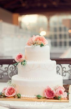 White Wedding Cakes Wedding Cake Stands created with LOVE by Opulent Treasures. Wedding Cake Stands, White Wedding Cakes, Cool Wedding Cakes, Wedding Desserts, Wedding Cake Toppers, Floral Wedding, White Cakes, Wedding Flowers, Family Cake