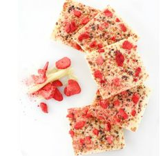 Strawberry Amaretti Crunch White Chocolate Bar A delicious white chocolate bar made with air dried strawberries, crushed Amaretti cookies and caramelized cocoa nibs.