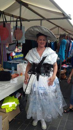 Nieuwe klederdracht voor #Almere: het #Almeers #Meisje