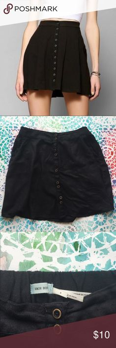 Kimchi Blue skirt Excellent condition. Elastic waist. Button up front. Goes with literally everything Epsecially Crop Tops!!! Urban Outfitters Skirts Mini