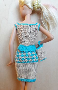 **Das Barbie/Steffi Outfit besteht aus:** einem Top mit Druckknöpfen am Rücken einem Rock, einer passenden Tasche. **Material:** 100% mercerisierte Baumwolle (Stärke 10) **Das Outfit ist für...