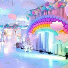 imagenes de decoracion de cumpleaños de unicornio Unicorn Themed Birthday Party, Little Pony Birthday Party, Rainbow Birthday Party, Unicorn Party, 1st Birthday Parties, Birthday Party Decorations, Birthday Ideas, Birthday Cake, Deco Ballon