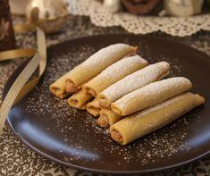 Szekeres Adrien ezen a héten egy olyan isteni karácsonyi süteményreceptet mutat nekünk, amiből rögtön két adagot süt - kifejezetten azért, hogy legalább az egyik megérje az ünnepet. Ehhez azonban el kell dugnia egy tálcányit a család, és, hát kicsit saját maga elől is.