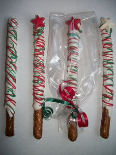 christmas pretzel rods | Christmas candy, chocolate covered pretzel rods with star
