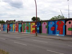 Thierry Noir - Berlin Wall - East Side Gallery