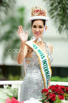 Miss International 2013, Miss Philippines, Bea Rose Santiago's Homecoming Parade #beautiful #fashion #hair #beauty #makeup #diy #ideas #wedding #love #quotes #photography #Paris #onedirection #justinbieber #style #girl #gown #bride #runway #beautiful #newyork #prom