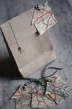 brown paper bags, and gift tags made from maps. Wrapping Ideas, Creative Gift Wrapping, Creative Gifts, Paper Packaging, Pretty Packaging, Gift Packaging, Packaging Design, Plastic Fou, Map Globe