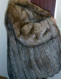 Saga fox renard manteau de fourrure, renard argenté fourrure Silverfox fur coat