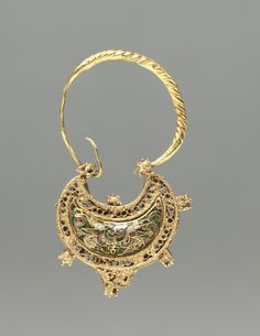 "gemma-antiqua: ""Byzantine crescent-shaped earring of gold and cloisonné enamel, dated to CE. The earring is only one inch tall. Byzantine Jewelry, Renaissance Jewelry, Medieval Jewelry, Byzantine Art, Ancient Jewelry, Greek Jewelry, Old Jewelry, Antique Jewelry, Jewelery"