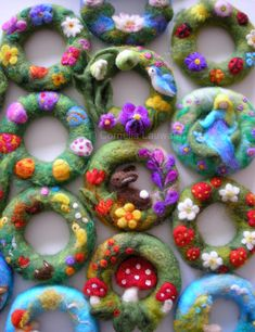 Easter or spring felted decorations for home or gifts Wollbeutel zum kreativen Gestalten