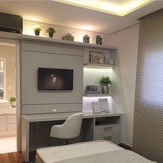 Otimizando espaços.  O móvel da TV também serve de bancada para estudo. Amei Projeto Mariane e Matilda Baptista. Me encontre também no @pontodecor  HI Snap:  hi.homeidea  http://ift.tt/23aANCi #bloghomeidea #olioliteam #arquitetura #ambiente #archdecor #archdesign #hi #cozinha #homestyle #home #homedecor #pontodecor #homedesign #photooftheday #love #interiordesign #interiores  #picoftheday #decoration #world  #lovedecor #architecture #archlovers #inspiration #project #regram #canalolioli…