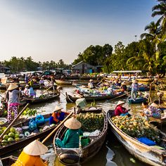 Where to go shopping in Vietnam?These are the best places to go shopping in Vietnam. If Vietnam is your destination, these places are the best options for you Vietnam Voyage, Vietnam Travel, Asia Travel, Mekong Delta Vietnam, Delta Du Mekong, Ho Chi Minh Ville, Ho Chi Minh City, Can Tho, Angkor