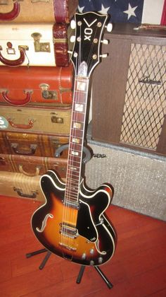 Vintage 1960s Vox Super Lynx Holllowbody Electric Guitar Plays and Sounds Great
