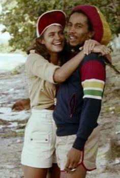 Bob Marley et Cindy Breakspeare (Miss Monde) – 1976. Interracial couple.