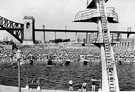 The diving pool at Astoria Park in 1936. An amphitheater is set to be built at the site.