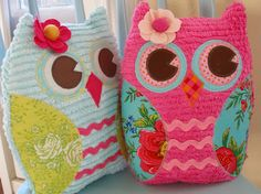 Oh my cuteness!  I have to make one of these owls.  Scrap-busting project.