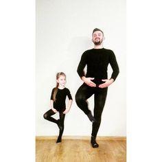 To jest, moi mili, parenting: level expert! 😂❤  .  .  #blog #migalniablog #parenting #instadad #dad #daddy #father #ballet #dancer #ballerina #taniec #balet #fit #lifestyle #instatata #tata #daddysgirl #daddysprincess #together #kocham #love #photoshoot #daughter #córka #córeczka #córeczkatatusia #childhood #childhoodunplugged #photooftheday #mamabloger