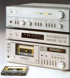 Just a analog fan doing your best! Radios, Hi Fi System, Audio System, Technics Hifi, Speaker Amplifier, Hifi Speakers, Audio Sound, Hifi Audio, Hifi Stereo