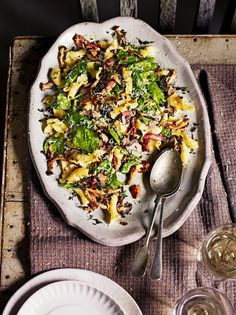 This Winter pasta salad recipe from Jamie Oliver is a fantastic way to use up your leftover Christmas turkey in a delicious sweet and savoury salad. Healthy Pasta Salad, Healthy Salads, Healthy Recipes, Salad Recipes Video, Pasta Salad Recipes, Risotto Recipes, Winter Salad Recipes, Penne, 21 Day Fix