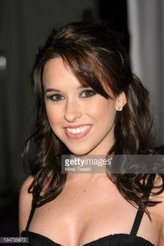 lacey-chabert-during-los-angeles-lakers-3rd-annual-mirage-las-vegas-picture-id134735673 (396×594)